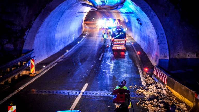 Unfall im Assingbergtunnel