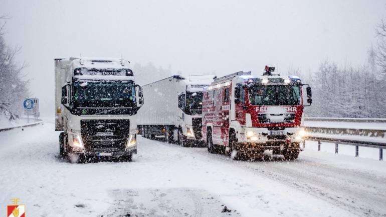 Schneechaos – Feuerwehr Mooskirchen im Dauereinsatz
