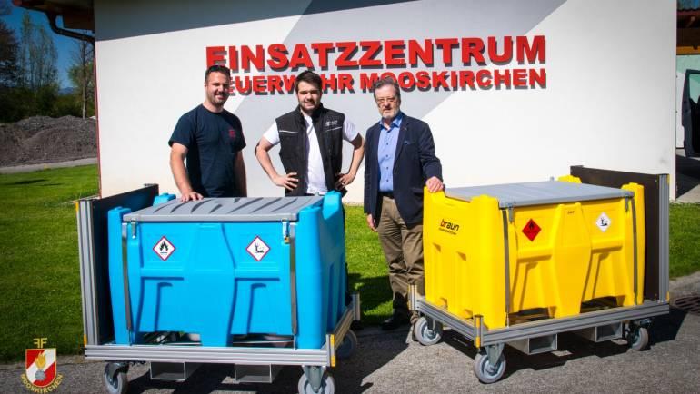 """Übergabe von zwei Rollcontainern """"Tankstelle"""" an die Feuerwehr Mooskirchen!"""