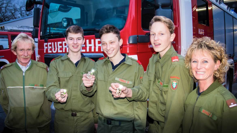 """Feuerwehr-Jugendliche """"vergoldet"""" – FJLA erreicht"""