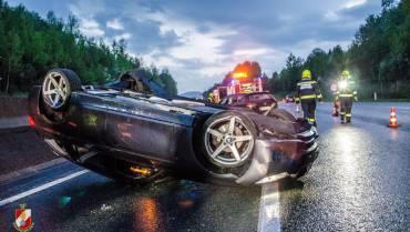 Fahrzeugüberschlag auf der A2 – Insassen unverletzt!