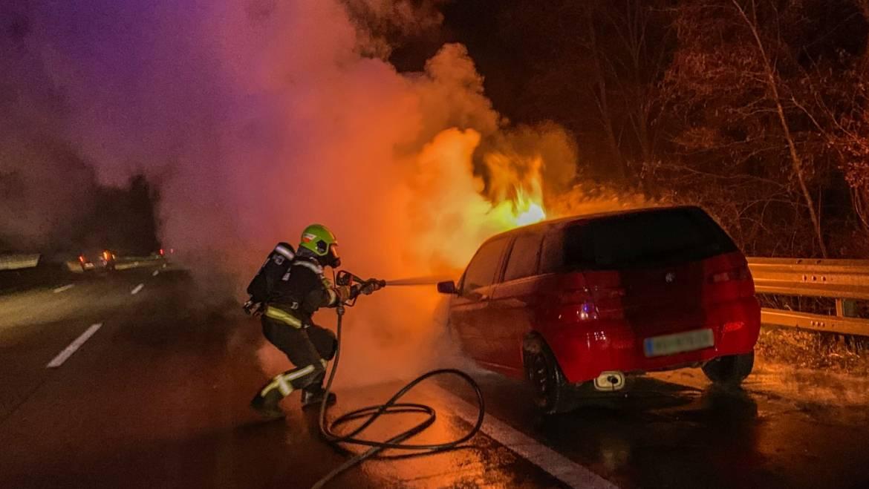 Fahrzeugbrand auf der A2